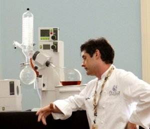 Dave Arnold and Buchi Rotary Evaporator courtesy The Glenlivet